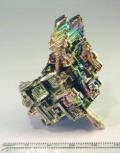Bismuth-crystal.jpg