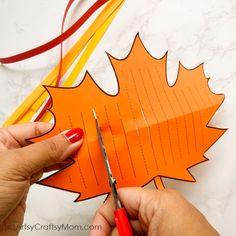 These Paper Weaving Fall Printables are perfect to strengthen and keep those little fingers busy this season! Also helps to improve concentration and hand-eye coordination in little kids. Craft Activities For Kids, Preschool Crafts, Crafts For Kids, Diy Arts And Crafts, Paper Crafts, Weaving For Kids, Paper Weaving, Autumn Crafts, Classroom Crafts