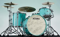 A naturally EQ'd sound perfect for stage or studio, with a beautiful new finish: Tama STAR Walnut Grand Aqua Blue!