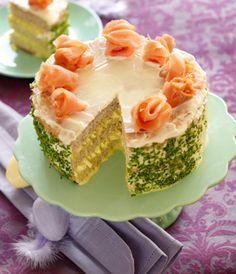 This means it is an Easter BREAKFAST cake - rosettes are of smoked salmon! Easter Recipes, Dessert Recipes, Easter Lunch, Norwegian Food, Danish Food, Breakfast Cake, Fish Dishes, Smoked Salmon, Fun Cooking