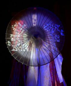 Memoirs of a Geisha (dramatic dance scene -- w/ transparent parasol)