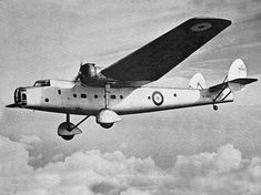 Bristol Bombay A british troop transport aircraft adaptable for use as a medium bomber flown by the Royal Air Force (RAF) Aircraft Photos, Ww2 Aircraft, Military Aircraft, Bristol, Air Force Bomber, Aircraft Painting, Vintage Airplanes, Aircraft Design, Parasol