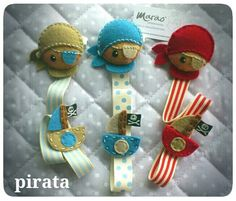 Chupeteros piratas Sewing Hacks, Sewing Projects, Pacifier Holder, Pacifier Clips, Tag Blanket, Baby Binky, Dummy Clips, Book Markers, Kids Jewelry