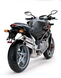 MV Agusta Brutale 750S (2002) - 2ri.de Hersteller: MV Agusta Baujahr: 2002 Typ (2ri.de): Naked Bike Modell-Code: k.A. Fzg.-Typ: k.A. Leistung: 127 PS (93 kW) Hubraum: 749,4 ccm Max. Speed: 250 km/h Aufrufe: 2.400 Bike-ID: 1627