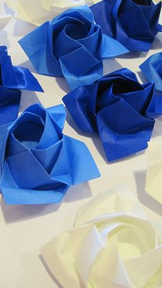 <3 <3 <3 Blue and White Origami Roses <3 <3 <3 Something Blue for Your Wedding Decor / Also makes great table decor for baby boy's baby shower