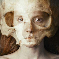 morte.... por traz da vida........ vanitas by tokioshi, via Flickr