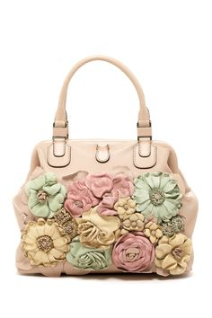 "Valentino .......Follow Pink Bags: https://www.pinterest.com/lyndanna/pink-handbags/...  Get Your Free Course ""Viral   Images for Pinterest"" Now at: CashForBloggers.com"