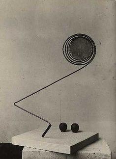 Calder 1930 Feminité. Alexander Calder est un sculpteur et peintre américain (1898-1976)