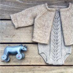 Knitting for Olive: BLÅBÆRDRAGT strikkeopskrift