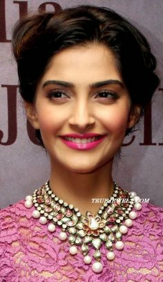 Sonam...and her beautiful necklace