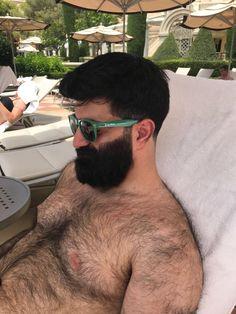 Beard Bud — hairy-males: chilling out, maxin', relaxin'… Full Beard, Beard Love, Scruffy Men, Hairy Men, Great Beards, Beard Balm, Bear Men, Beard No Mustache, Hairy Chest