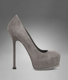I REMEMBER WHEN THIS PUMP FIRST GRACED OUR PRESENCE.  STEFANO'S FALL 2009 COLLECTION.  FIERCE!  I LOVE THIS PUMP!