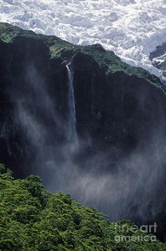 ✯ Rob Roy Glacier and Falls - New Zealand One of the most beautiful countries on the face of the earth!