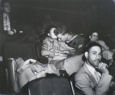 Couple d'amoureux au cineŽma, c. 1950. Weegee
