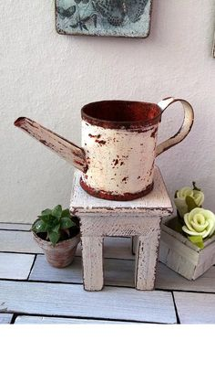 Dollhouse Miniature watering can - miniature rusty watering can - 1 12 dollhouse garden accessory / miniature greenhouse accessory Miniature Greenhouse, Diy Greenhouse, Fairy Dolls, Garden Accessories, Watering Can, Dollhouse Furniture, Vintage Dolls, Dollhouse Miniatures, Crates