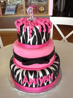 I must have this for Chloe for her first birthday party! YES, I am already thinking that far ahead!!!! Lol