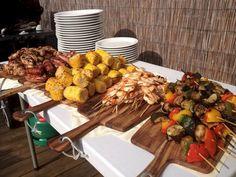 Backyard Bbq Party Menu 60 Ideas For 2019 Wedding Food Catering, Wedding Buffet Food, Bbq Catering, Wedding Reception Food, Reception Ideas, Catering Ideas, Catering Display, Catering Buffet, Budget Wedding
