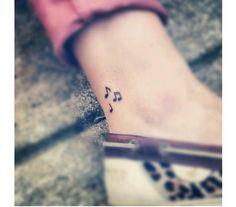 Wzory małego tatuażu dla dziewczyn. Wielka galeria mikrotatuażu.