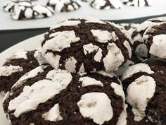 recetas delikatissen recetas cookies americanas recetas con niños postres delikatissen galletas de chocolate craqueladas galletas cookies caseras galletas caseras Chocolate Crinkle Cookies