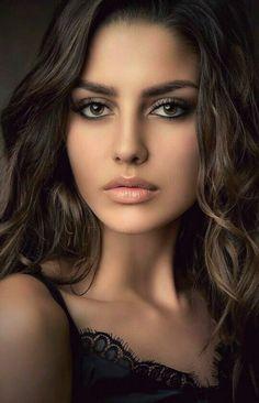 Beautiful Women Pictures, Beautiful Girl Image, Gorgeous Women, Beautiful Women Tumblr, Most Beautiful Eyes, Stunning Eyes, Girl Face, Woman Face, Beauty Full Girl