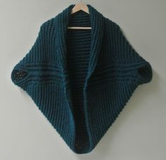Crochet vest, gehaakt vestje, gehäkelte Weste - ca. 1 m x 1 m square and stitched together in the front, leaving holes at the left and right for sleeves.