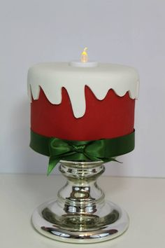 Christmas Cake Christmas Cake Designs, Christmas Cake Decorations, Christmas Cupcakes, Christmas Sweets, Holiday Cakes, Christmas Cooking, Christmas Goodies, Christmas Desserts, Xmas Cakes