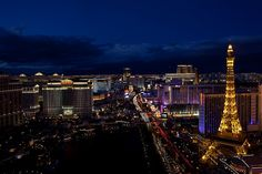 Learn when and how to tip on your trip to Las Vegas including tipping in casinos and at restaurants and buffets. Moving To Las Vegas, Las Vegas Shows, Las Vegas Trip, Las Vegas Nevada, Vegas Vacation, Vacation Destinations, Vacations, Las Vegas Living, Paris Skyline