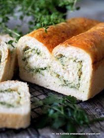 chleb-pszenny-drozdzowy-z-ziolami-cebula-i-serem