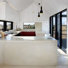 Shingle House by Nord Architecture  #homeadore #kitchen #interior #interiors #interiordesign #interiordesigns #residence #villa #home #casa #property #villa #maison #dungeness #unitedkingdom #uk #nordarchitecture by homeadore