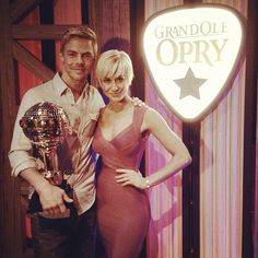 A nice welcome home for @/kelliepickler at the Grand Ole Opry in Nashville .