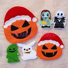 Scary Christmas finger puppets