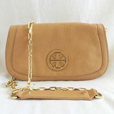Tory Burch Amanda Clutch/Crossbody Bag Authentic. Like new. Final sale. Pls ask questions before purchasing. Tory Burch Bags Crossbody Bags