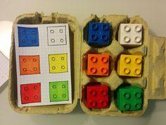 Giochi educativi creati riciclando confezioni di cartone delle uova, per lo sviluppo delle capacità logiche, visuo-spaziali, le combinazioni forma-colore.
