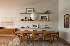 Inside Rosie Huntington-Whiteley and Jason Statham's recently-listed Malibu home - Vogue Australia Malibu Mansion, Malibu Beach House, Malibu Homes, Mansion Tour, Architectural Digest, Home Interior, Interior Architecture, Natural Interior, Natural Home Decor