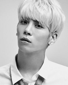 For many K-Pop fans, Jonghyun was the first artist they really fell in love with. He was an incredible singer, an unmatched songwriter and had the most genuine personality imaginable. Shinee Jonghyun, Lee Taemin, Kim Kibum, I Love You Forever, Kpop Guys, Rest In Peace, Korean Men, Asian Actors, K Idols