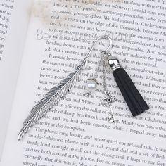 "Wholesale - New Fashion Vintage Handmade Bookmark Feather Antique Silver Key Pendant Acrylic White Pearl Imitation Bead With Velvet Suede Black Tassel 11.7cm(4 5/8""), 1 Piece"