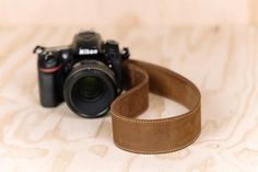 Lucky Camera Straps - Standard 53 - Classic Brown - The best gift for photographers | Lucky Camera Straps