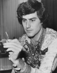 #CIA admits it carried out secret psychic experiments,researched flying saucers...The Uri Geller experiments took place in the 1970s during the height of the Cold War