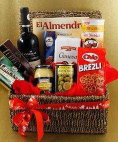 Pensamos todo para vos y te lo entregamos en una canasta de mimbre para que lleves la Navidad donde quieras.