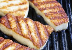 Learn how to make and prepare the recipe for sweet dessert saganaki made with manouri or halloumi cheese. Greek Fried Cheese, Saganaki Recipe, Wisconsin Cheese Curds, Tofu, Roasted Artichoke, Grilled Halloumi, Greek Dishes, Grilled Vegetables, Mozzarella Sticks