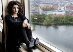 Beauty in Black !!! Katie Melua...