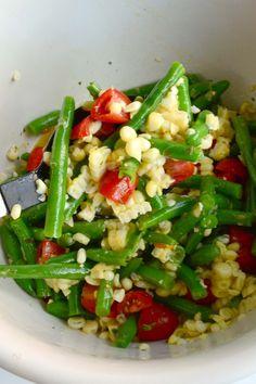 Aesthetic Nest: Recipe: Garlicky Green Bean, Sweet Corn and Tomato Salad