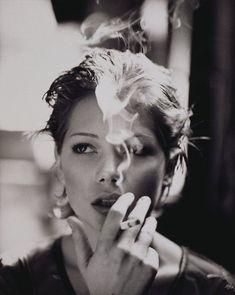 Michelle Williams portraits-and-the-like People Smoking, Women Smoking, Girl Smoking, Smoking Kills, Smoking Room, Michelle Williams, Smoke Art, Up In Smoke, Celebrity Gallery