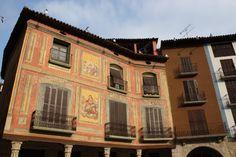Publicamos la Plaza Mayor de Graus, interesante localización en la provincia de Huesca.