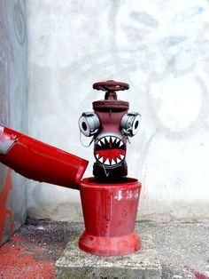 Street art by OaKoAk | Pictures, art, graffiti, fun, zombies, funny ads, demotivationals, break up survival