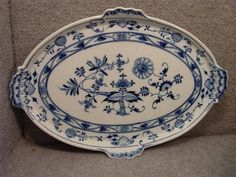 grrreat blue onion tray with 4 handles!  13.25 in x 9.25 in. Never seen a tray with 4 handles before!! Beautiful!!