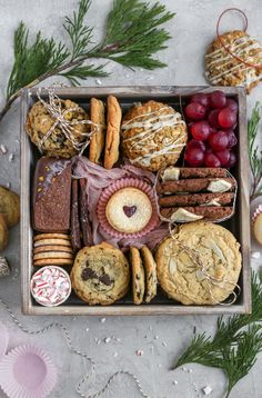 How to create a cookie gift box- Learn how to make the best gift ever- A cookie gift box! Tips, tricks, and recipes all included! food gifts How to Create the Ultimate Cookie Gift Box Christmas Cooking, Christmas Desserts, Christmas Treats, Holiday Treats, Holiday Recipes, Christmas Cookie Boxes, Holiday Gifts, Christmas Cupcakes, Christmas Games