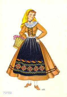 Trá-os-Montes e Alto Douro History Of Portugal, Folklore, Portuguese Culture, Folk Costume, My Heritage, Algarve, Traditional Dresses, Gowns, Vintage