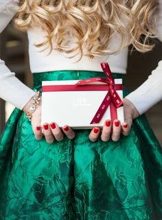 That Classy Conservative Girl Southern Christmas, Elegant Christmas, Green Christmas, Christmas Colors, All Things Christmas, Christmas Holidays, Merry Christmas, Bohemian Christmas, Christmas Gifts