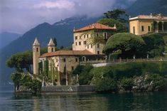 Villa Balbienello on Lago di Como - one of my favorite places on earth. My cousins are probably betting what my first pin would be and I did not want to disappoint them. Itinerary Planner, Travel Planner, Places In Italy, Places To See, Postcards From Italy, Italian Lakes, Living In Italy, Como Italy, Photography Tours